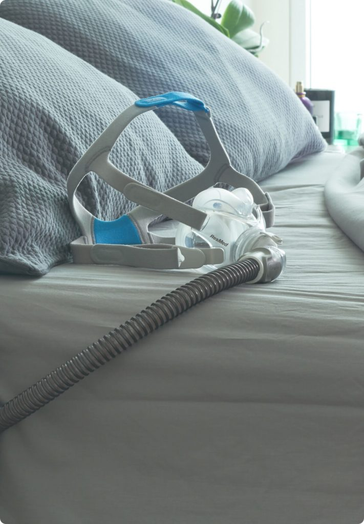 sleep-apnea-sleepapnea-cpap-mask-on-bed